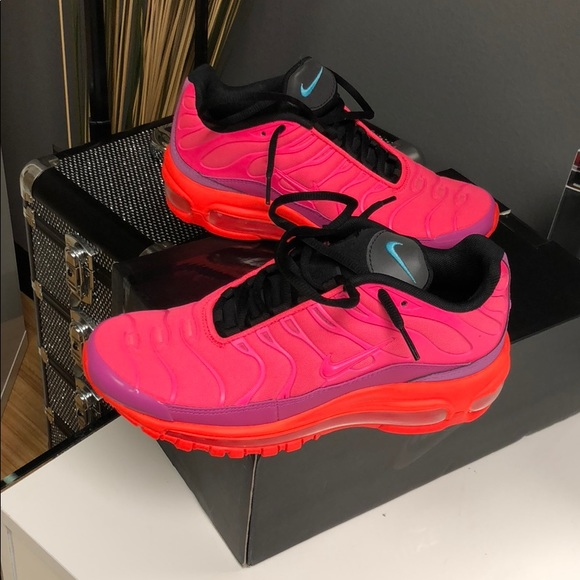low priced 4a41a 535ad Air max 96 / PLUS-Racer pink hyper Magenta NWT